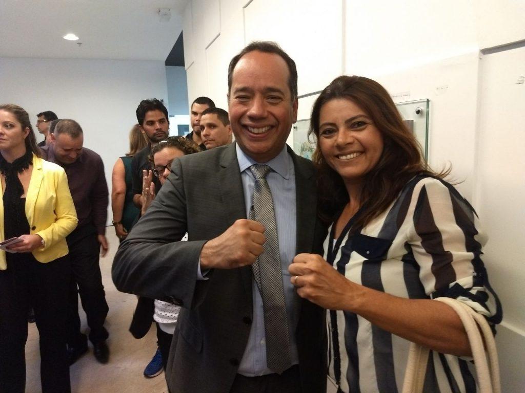 Treinadora Monica Santos representa a CBBoxe na posse do Ministro do Esporte