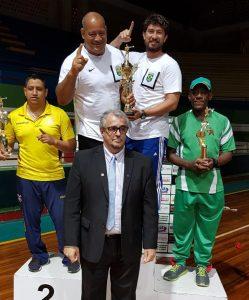 Foto mostrando a equipe do Brasil, campeão por equipes na IX Copa Cinturão de Ouro
