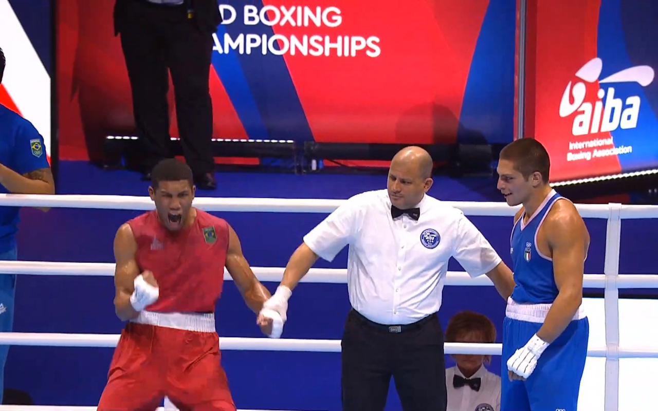 Imagem do post Hebert Conceição garante lugar no pódio do Mundial de Boxe